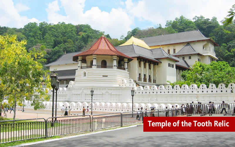 //images.yatraexoticroutes.com/wp-content/uploads/2014/10/TEMPLE_OF_THE_TOOTH_RELIC.jpg