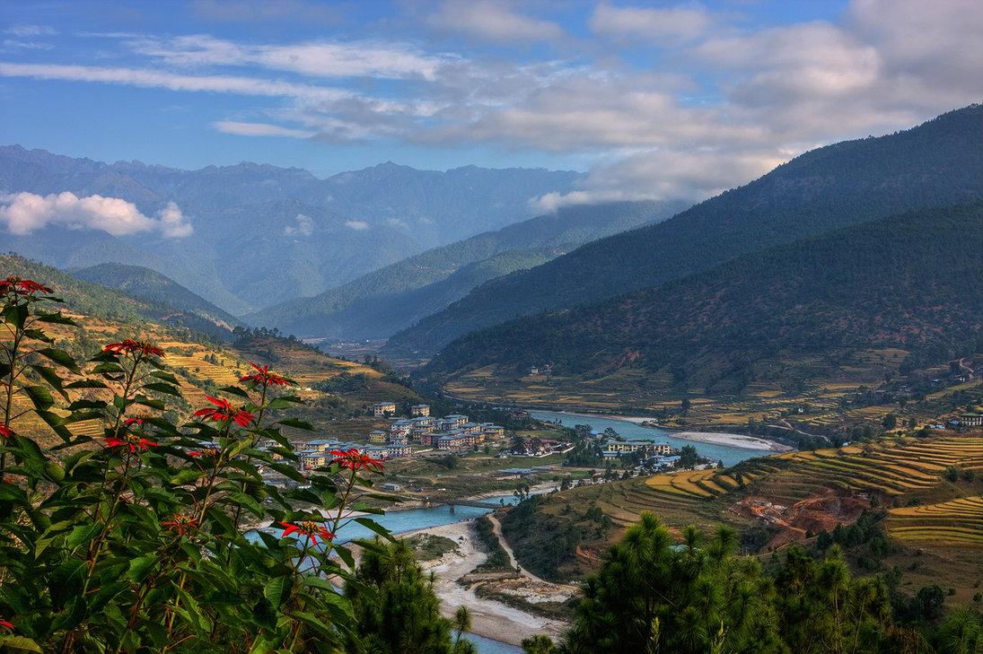 BHUTAN �� Yatra Exotic Routes